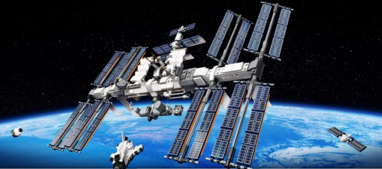 Spazio, LEGO Celebra La ISS Con Una Versione In Miniatura Inviata Nella Stratosfera