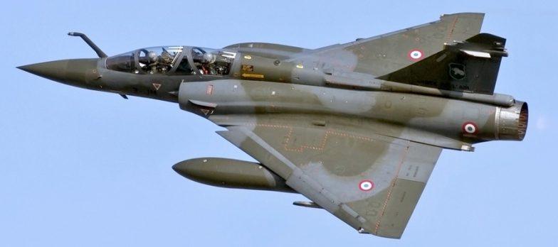 Africa, La Francia Bombarda Uomini Armati In Ciad Giunti Dal Sud Della Libia