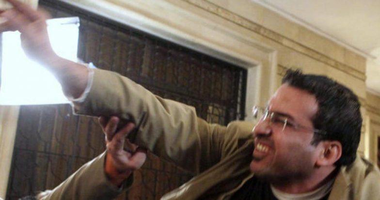 Iraq, Il Giornalista Che Lanciò Le Scarpe A Bush Ora Si Candida Alle Elezioni