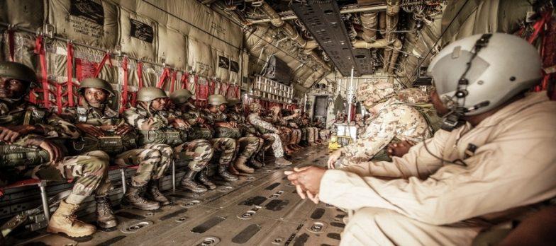 Italia, I Paracadutisti Della Folgore Si Lanciano Insieme Agli Omologhi Del Niger