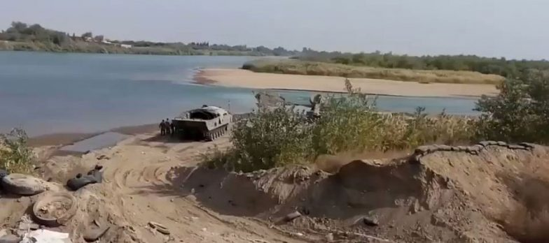 Syria, SDF At Deir Ezzor Are Pushing Daesh Towards The Border With Iraq In The East