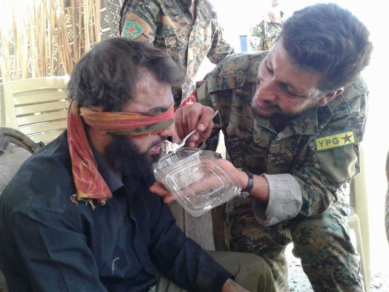 Syria, SDF Together With Trump: Isis Militiamen Captured At Deir Ezzor Out Now
