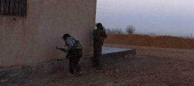 Siria, Le SDF Pressano Isis Più A Sud A Deir Ezzor E Attaccano Abu Badran
